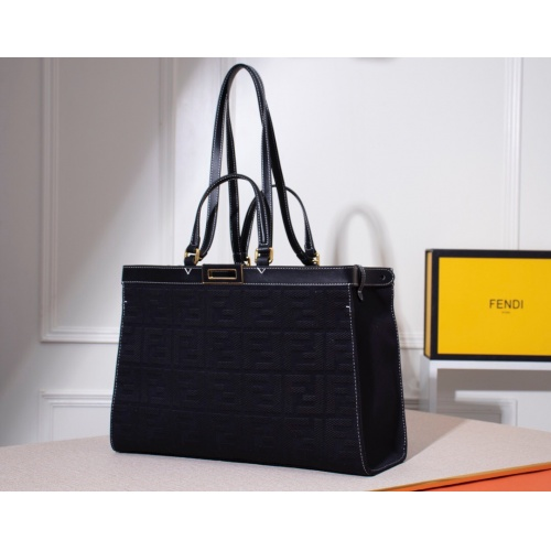 Fendi AAA Quality Handbags #784995
