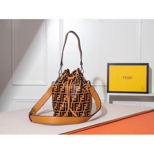 Fendi AAA Messenger Bags #785026