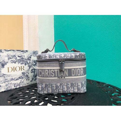 Christian Dior AAA Handbags #785092