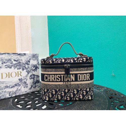 Christian Dior AAA Handbags #785093