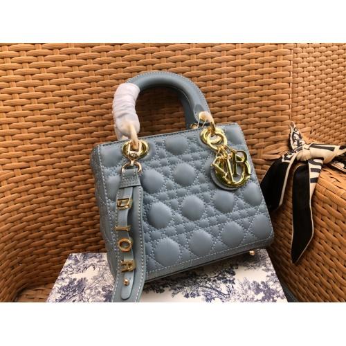 Christian Dior AAA Handbags #785103