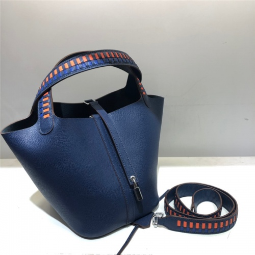 Hermes AAA Quality Handbags For Women #785916