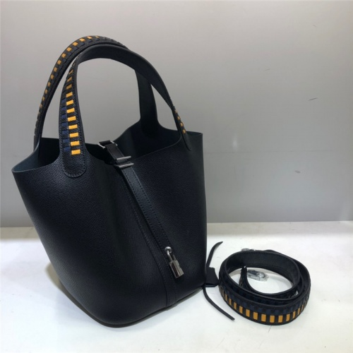 Hermes AAA Quality Handbags For Women #785918