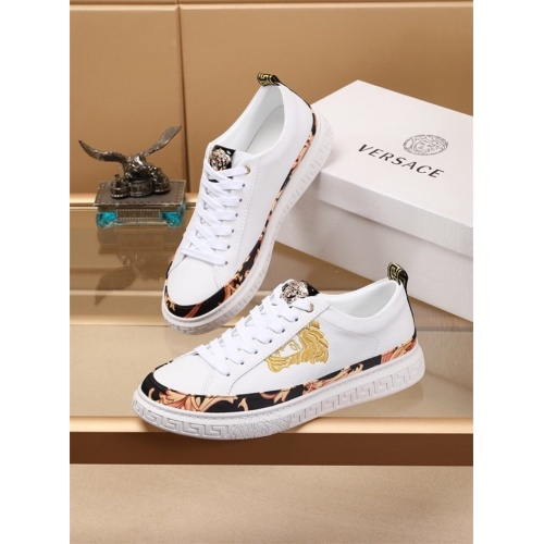 Versace Casual Shoes For Men #786321