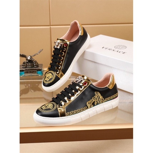 Versace Casual Shoes For Men #786322