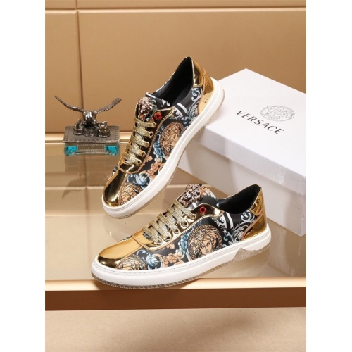 Versace Casual Shoes For Men #786324