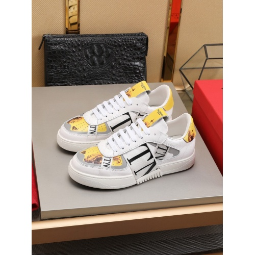 Valentino Casual shoes For Men #786362