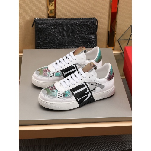 Valentino Casual shoes For Men #786365