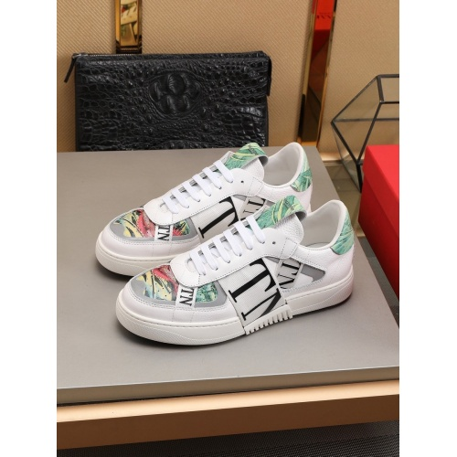 Valentino Casual shoes For Men #786367