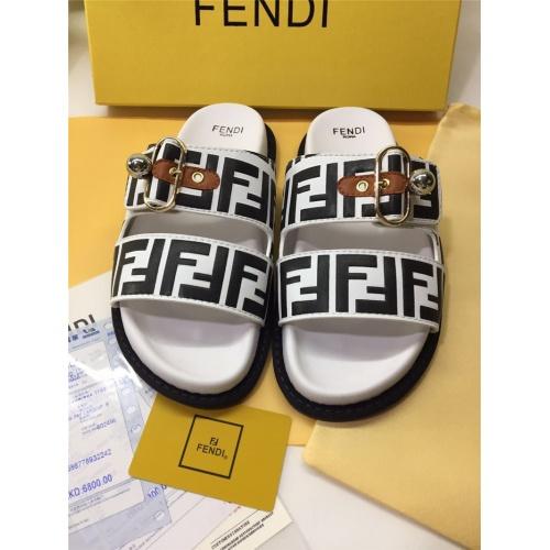 Fendi Slippers For Women #786552