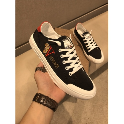 Versace Casual Shoes For Men #786640