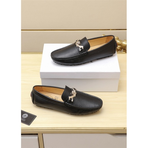 Versace Casual Shoes For Men #787399