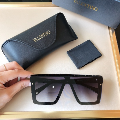 Valentino AAA Quality Sunglasses #787768