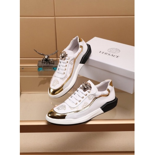 Versace Casual Shoes For Men #788882