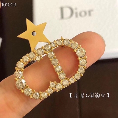 Christian Dior Brooches #788926