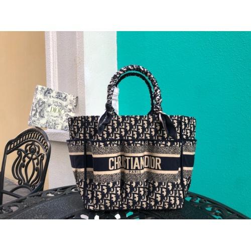 Christian Dior AAA Handbags #790361
