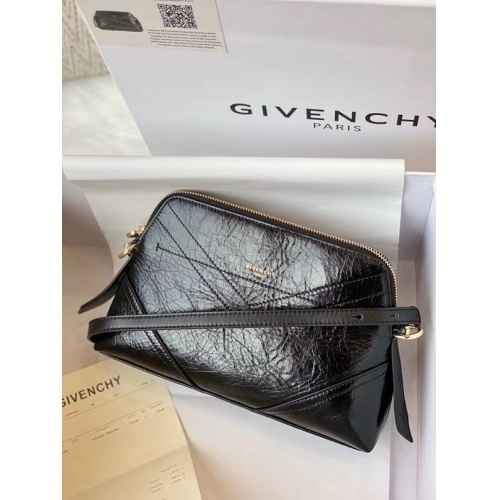 Givenchy AAA Quality Messenger Bags #790395