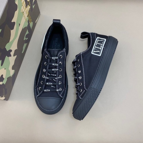 Valentino Casual Shoes For Men #790533