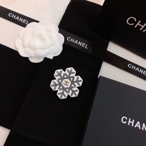 Chanel Brooches #791396