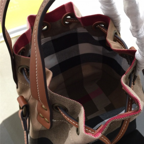 Replica Burberry AAA Messenger Bags For Women #791565 $98.94 USD for Wholesale