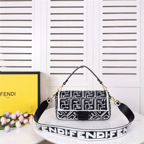 Fendi AAA Quality Shoulder Bags #792043