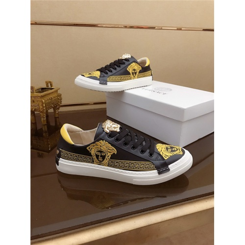 Versace Casual Shoes For Men #792184