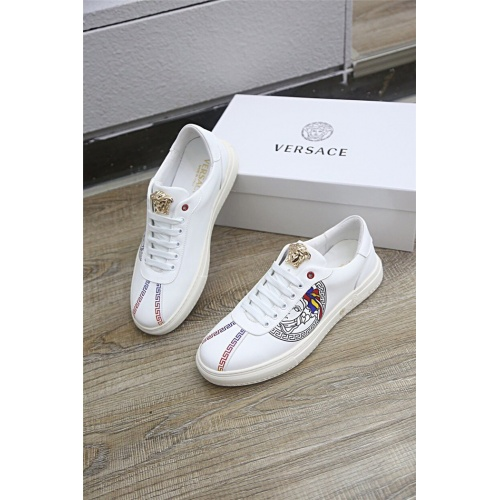 Versace Casual Shoes For Men #792213