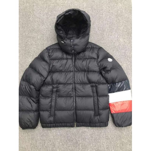 Moncler Down Feather Coat Long Sleeved Zipper For Men #793175
