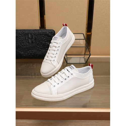 Burberry Casual Shoes For Men #793523