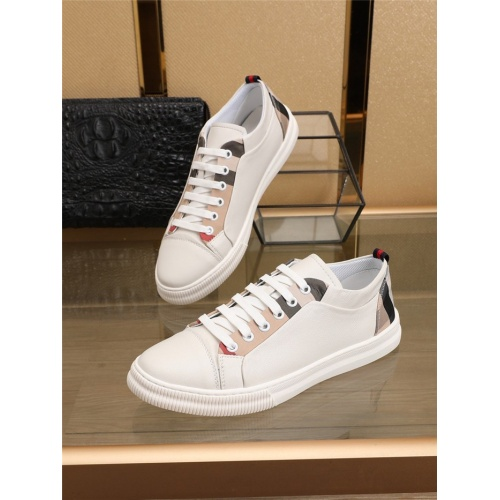 Burberry Casual Shoes For Men #793526