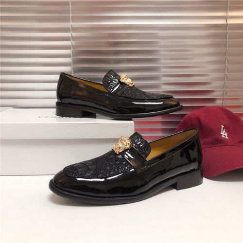 Versace Casual Shoes For Men #795152