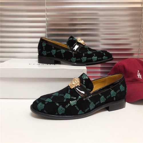 Versace Casual Shoes For Men #795153