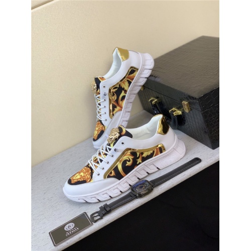 Versace Casual Shoes For Men #795156