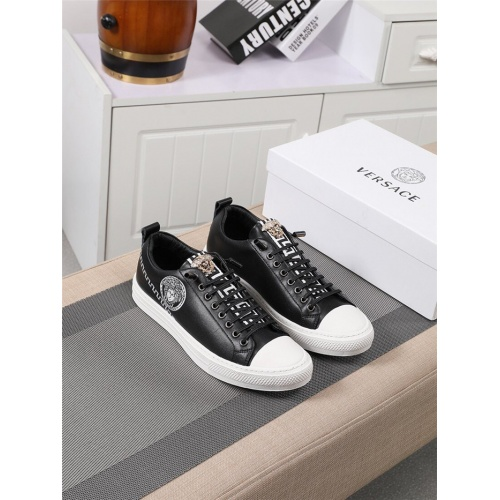 Versace Casual Shoes For Men #795375