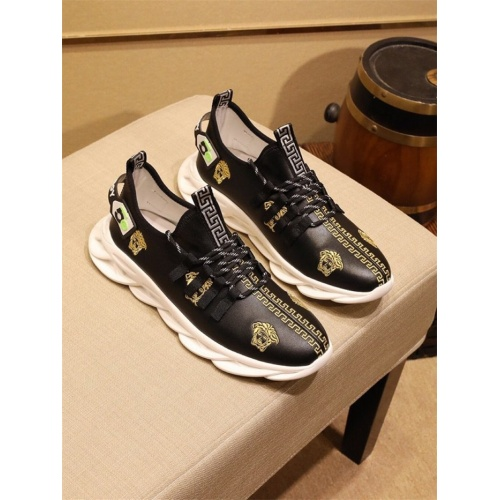 Versace Casual Shoes For Men #795378