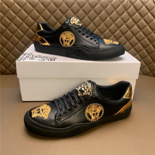 Versace Casual Shoes For Men #795931