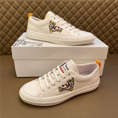 Versace Casual Shoes For Men #795939
