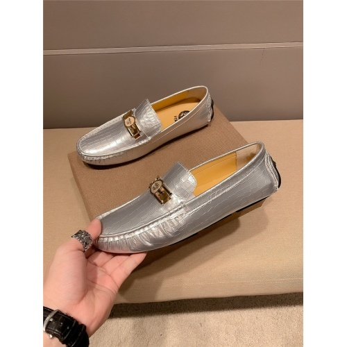 Versace Casual Shoes For Men #796004