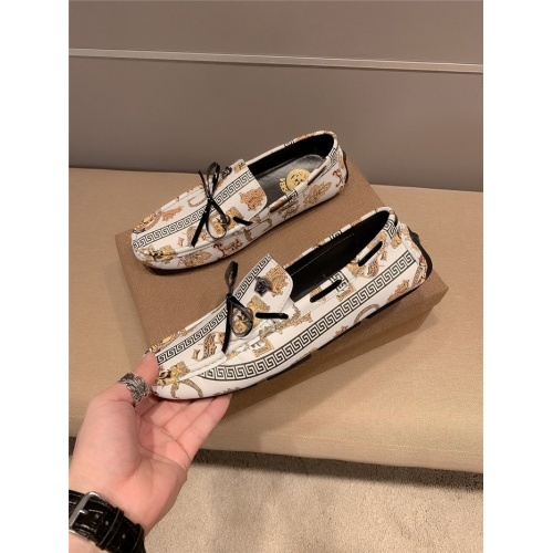 Versace Casual Shoes For Men #796010