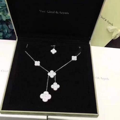 Van Cleef & Arpels Necklaces #796722 $50.44 USD, Wholesale Replica Van Cleef & Arpels Necklaces