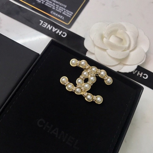 Chanel Brooches #797179