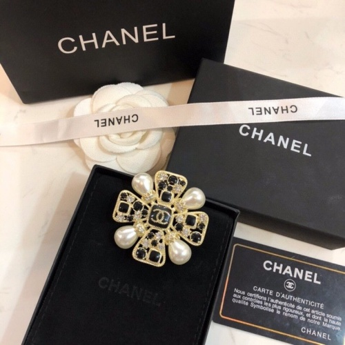 Chanel Brooches #797182