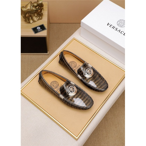 Versace Casual Shoes For Men #798030