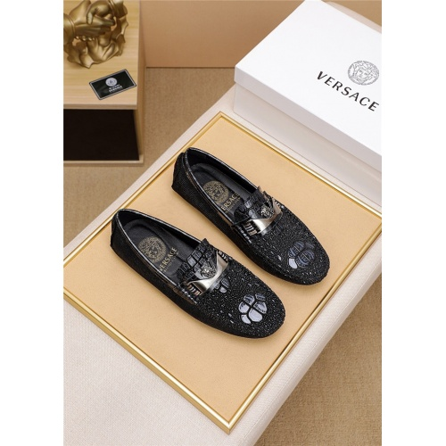 Versace Casual Shoes For Men #798033