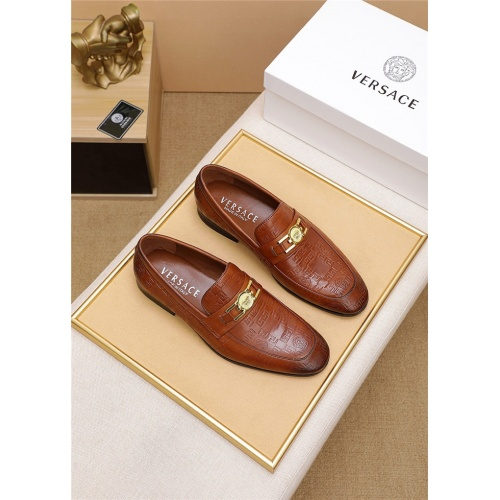 Versace Leather Shoes For Men #798035