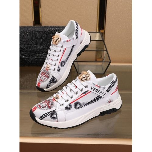 Versace Casual Shoes For Men #798080