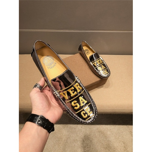 Versace Casual Shoes For Men #798272