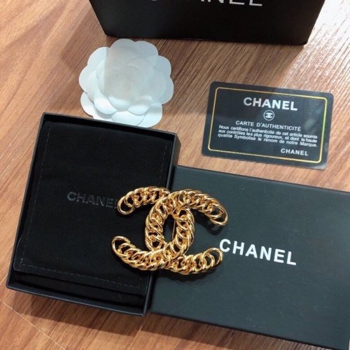 Chanel Brooches #798313