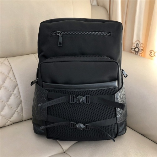 Versace AAA Man Backpacks #798431