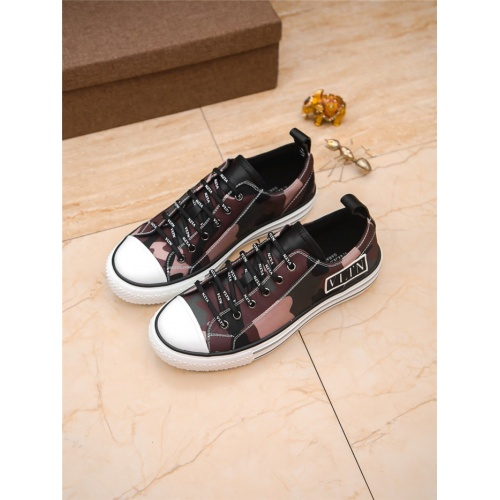 Valentino Casual Shoes For Men #798559